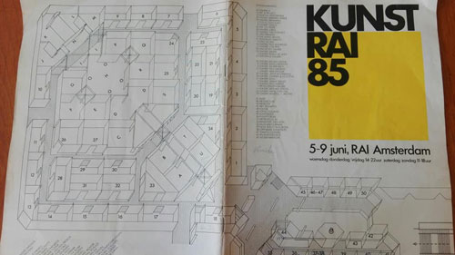 Plattegrond van een kunstbeurs in 1985.